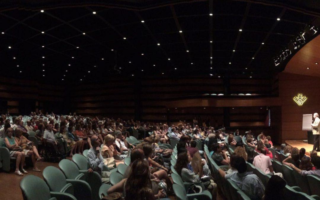 Rotundo éxito de asistencia a la conferencia impartida por Gonzalo Rodríguez Fraile en la Sede Central de Caja Rural de Granada